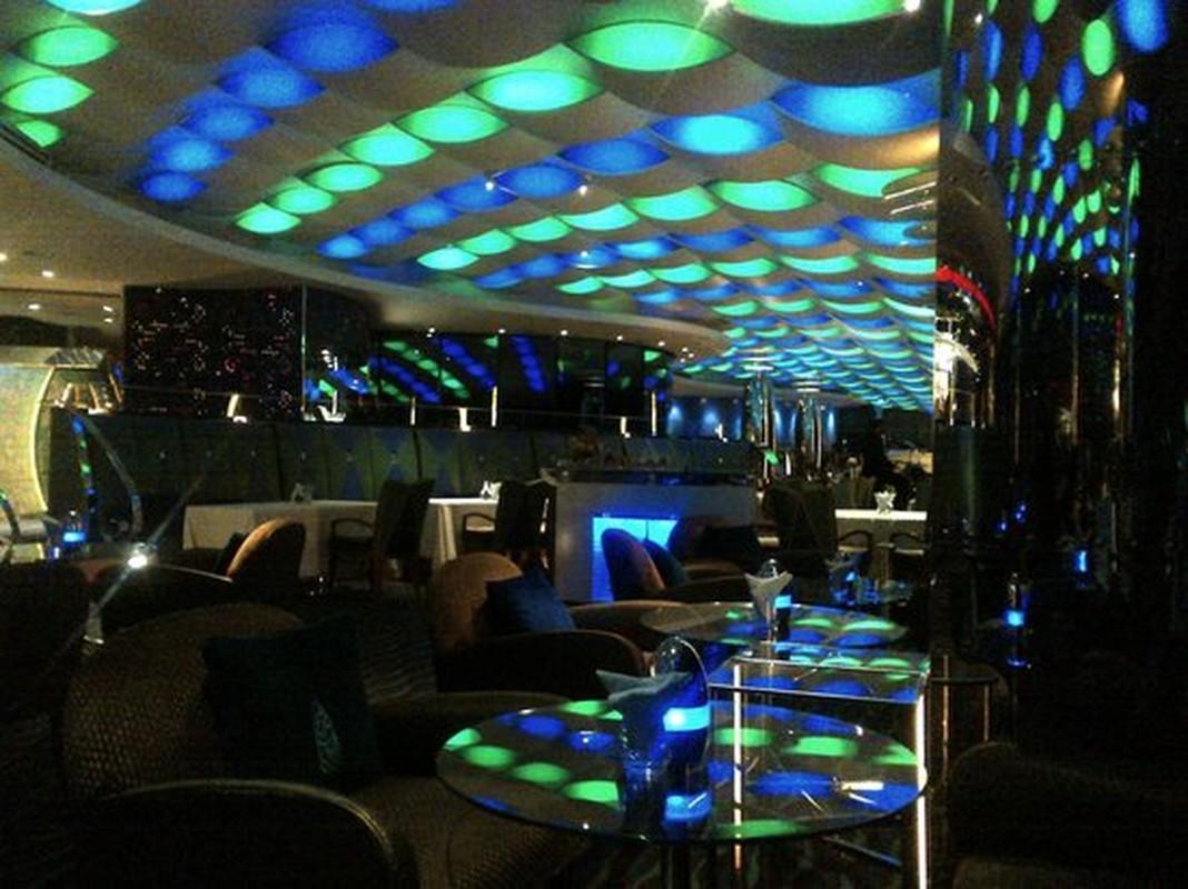 Bi mat khung trong quan bar dat do bac nhat Dubai-Hinh-4