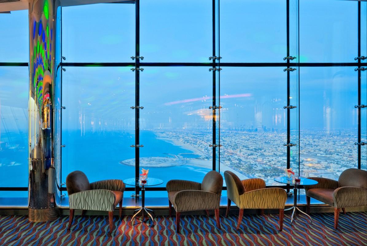Bi mat khung trong quan bar dat do bac nhat Dubai-Hinh-6