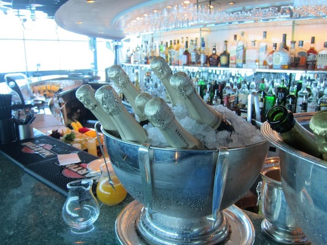 Bi mat khung trong quan bar dat do bac nhat Dubai-Hinh-7