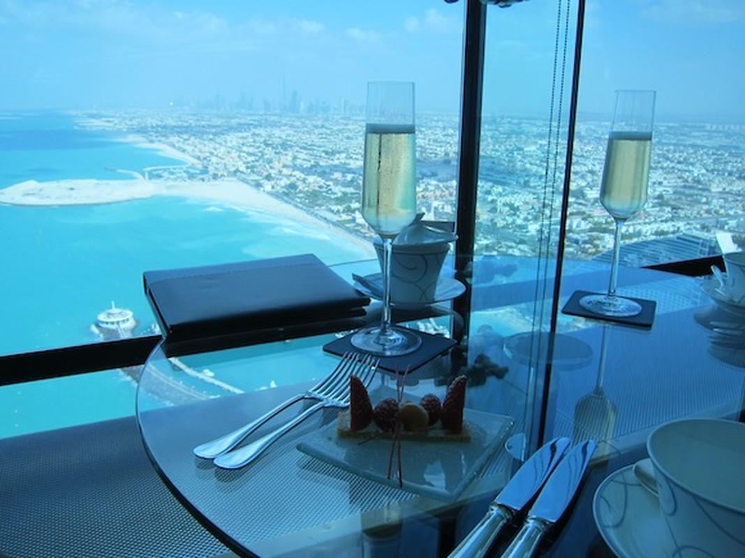 Bi mat khung trong quan bar dat do bac nhat Dubai-Hinh-8