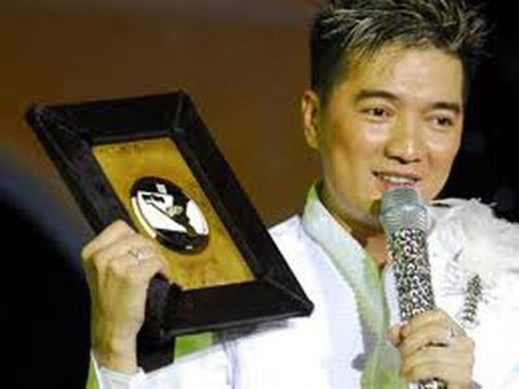 Loat phu kien vang rong gay choang cua Dam Vinh Hung-Hinh-15