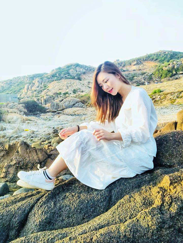 "Gu thoi trang goi cam cua em gai ""Lan cave"" trong Quynh bup be-Hinh-9"
