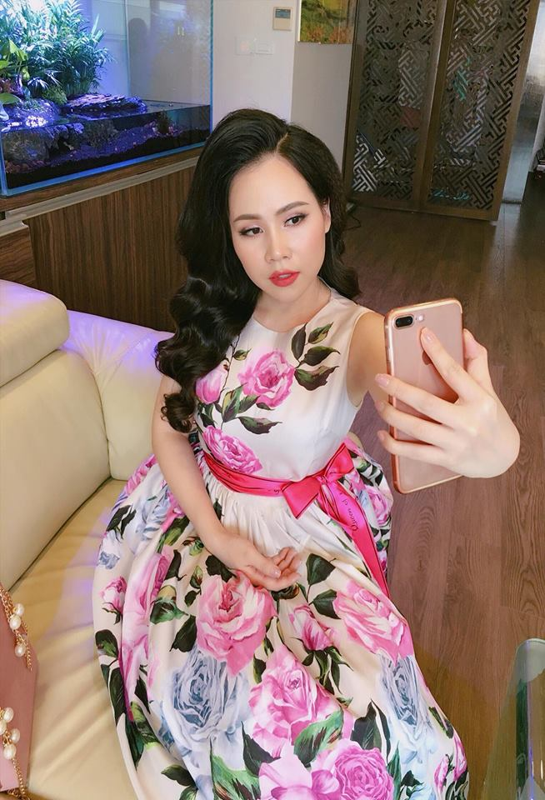 "Soi gu thoi trang cua dien vien Truong Phuong bi che ""hay khoe nguc""-Hinh-9"