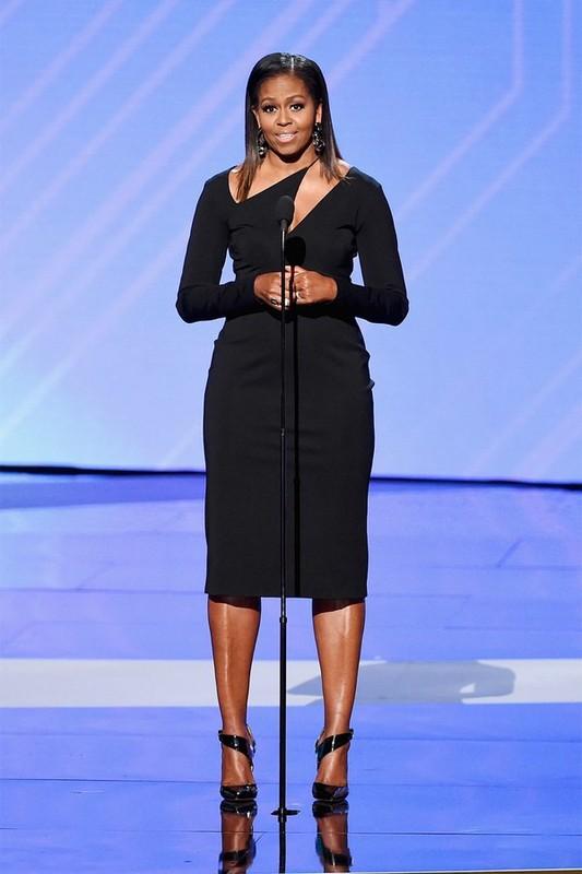 Ngam gu thoi trang sanh dieu cua cuu de nhat phu nhan Michelle Obama-Hinh-11