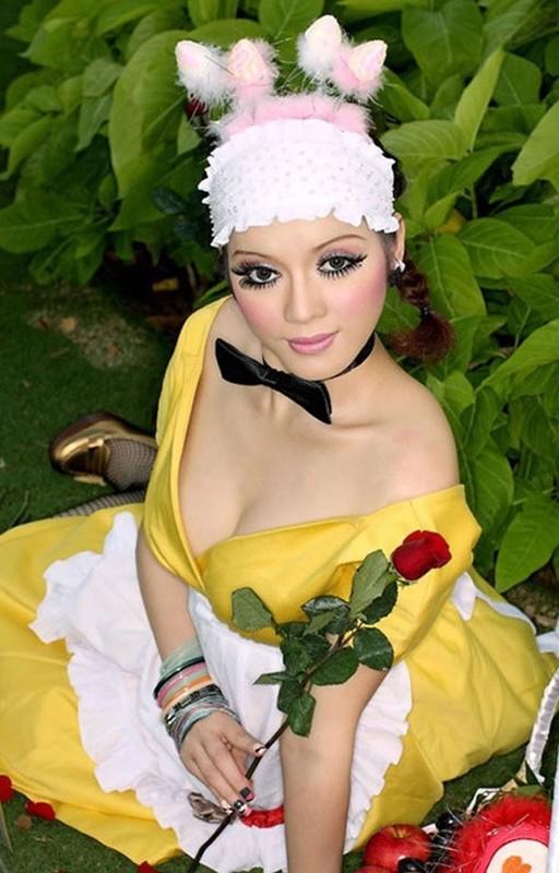 Khong ngo Ly Nha Ky cung co luc dien thoi trang sen sam den vay-Hinh-4