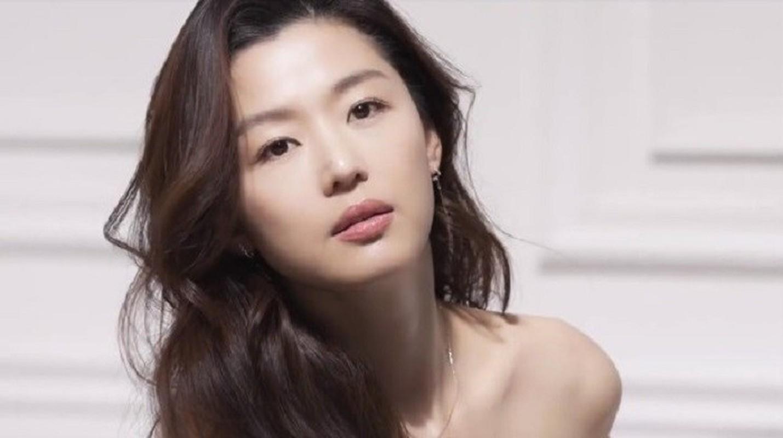 """Mo chanh"" Jun Ji Hyun dep kho cuong o tuoi 37-Hinh-3"