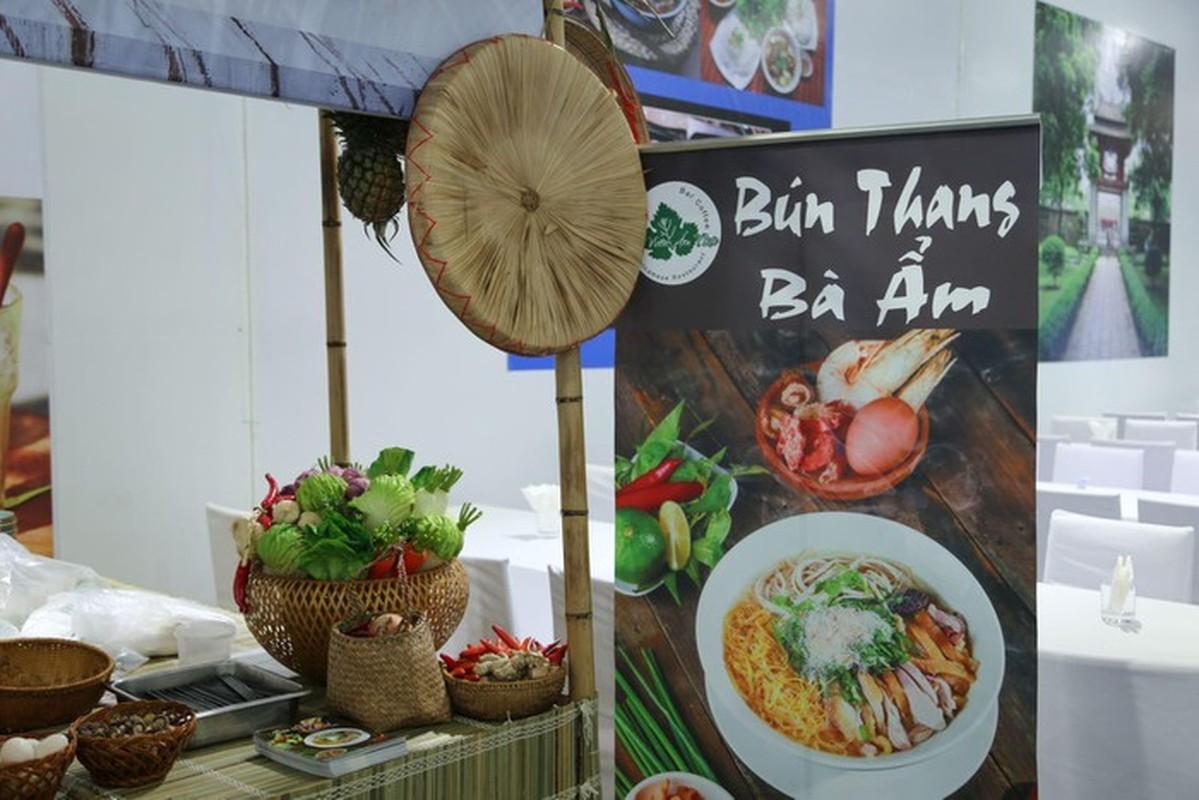Ngo ngang nhung mon an Viet phuc vu phong vien tai hoi nghi My - Trieu-Hinh-3