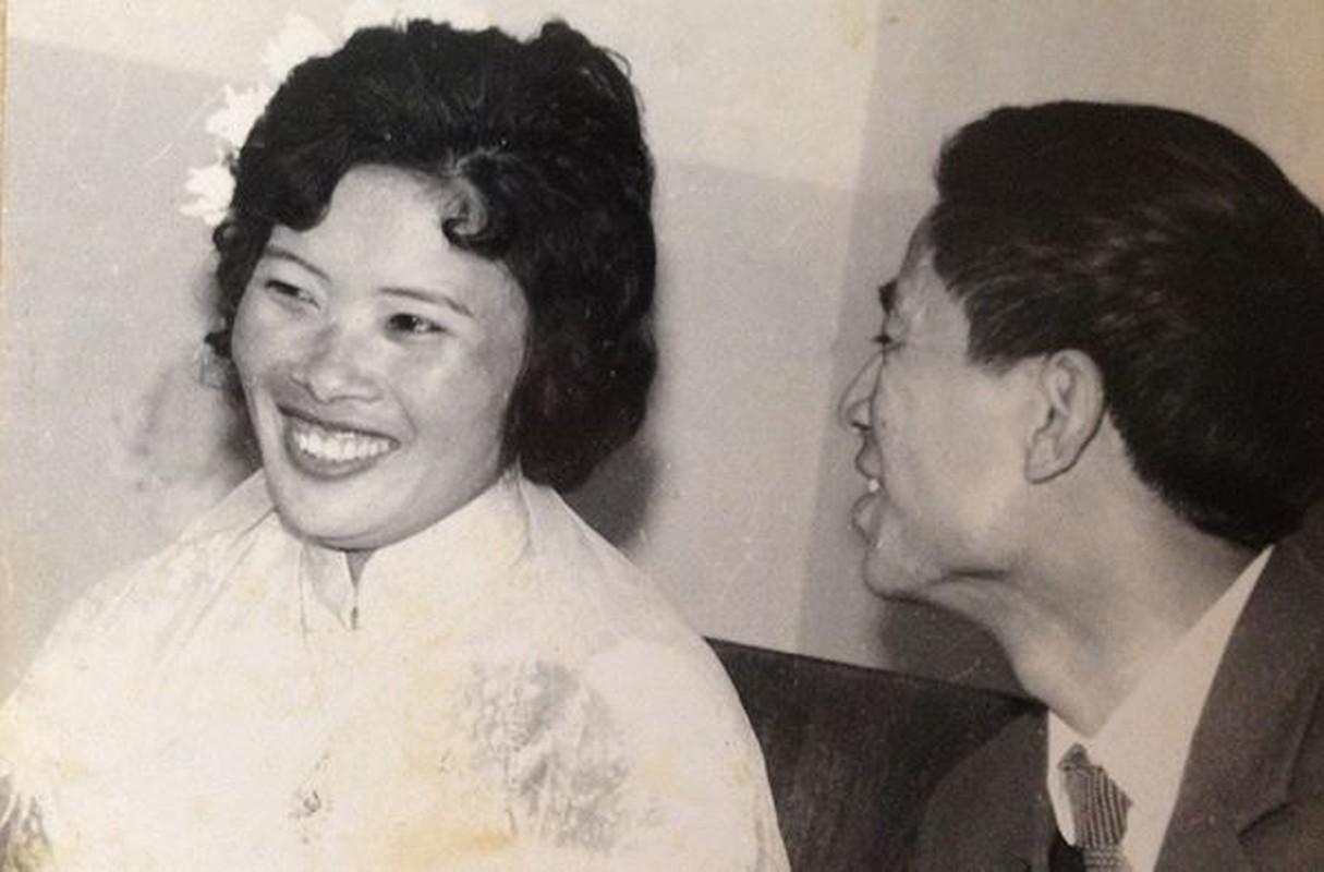 Loat anh cuoi cua co nghe si Van Hiep nam 1972 dep va xuc dong-Hinh-6