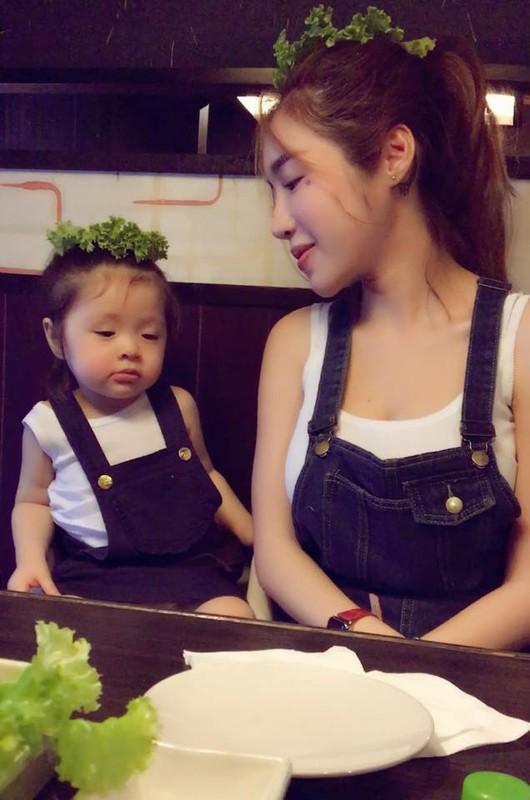 Chiem nguong thoi trang doi an tuong cua me con Elly Tran-Hinh-3