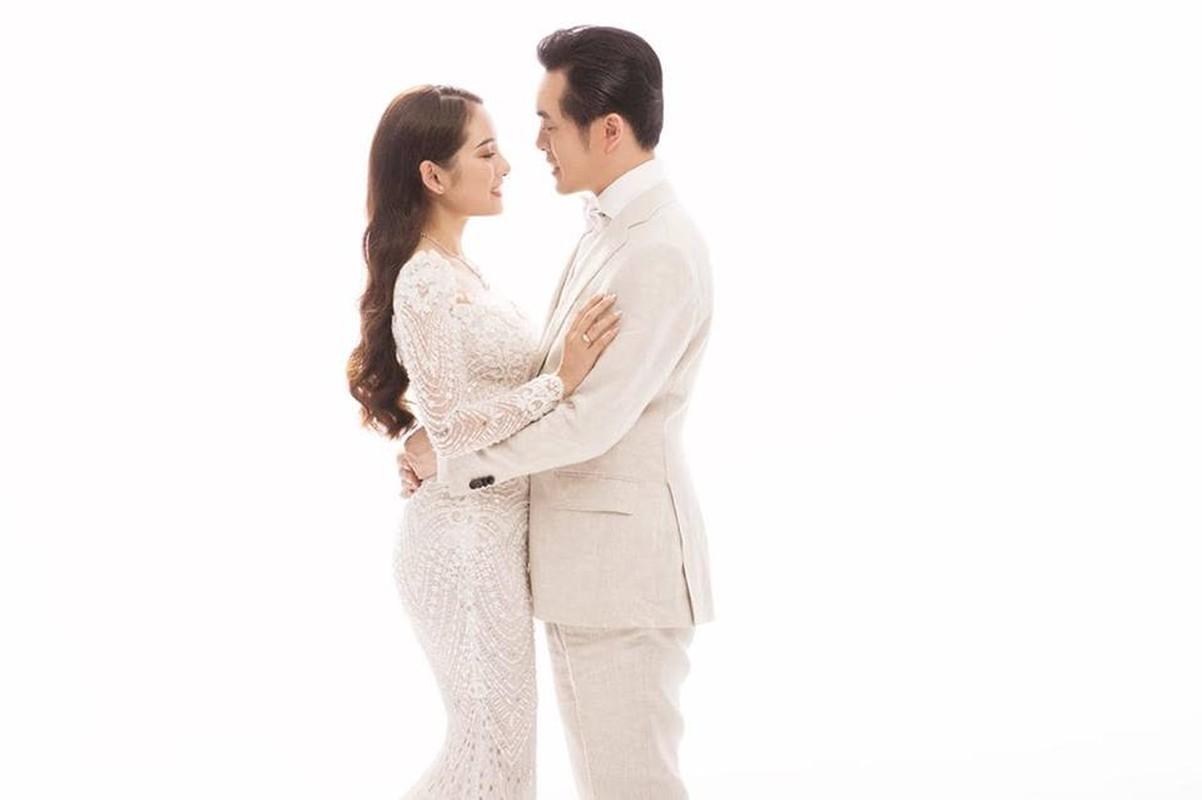 Chiem nguong vay cuoi long lay, cau ky cua co dau Sara Luu-Hinh-3
