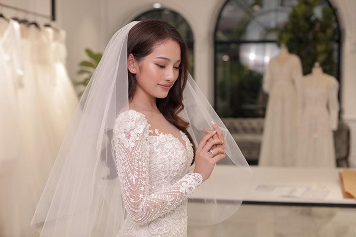Chiem nguong vay cuoi long lay, cau ky cua co dau Sara Luu-Hinh-4