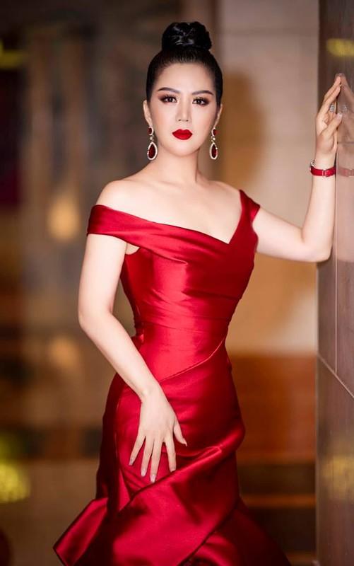 Khong ngo ca si Dinh Hien Anh lai co gu thoi trang goi cam den vay-Hinh-10
