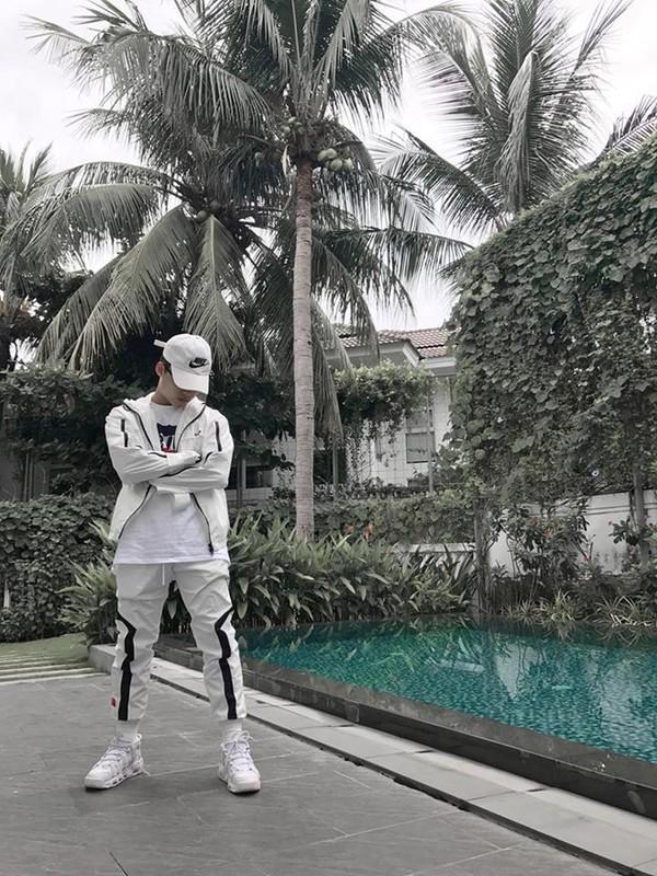 Em trai Son Tung M-TP an mac ngau khong kem anh trai-Hinh-3