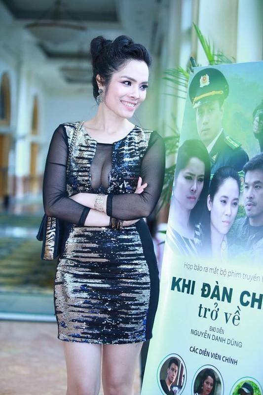 """Gu thoi trang noi loan cua """"con giap thu 13"""" Kieu Thanh-Hinh-10"""