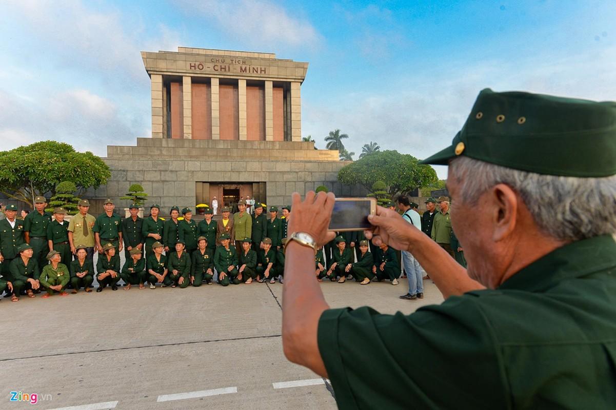Nghi le thuong co o Lang Chu tich Ho Chi Minh-Hinh-10
