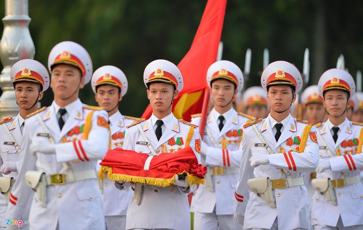 Nghi le thuong co o Lang Chu tich Ho Chi Minh