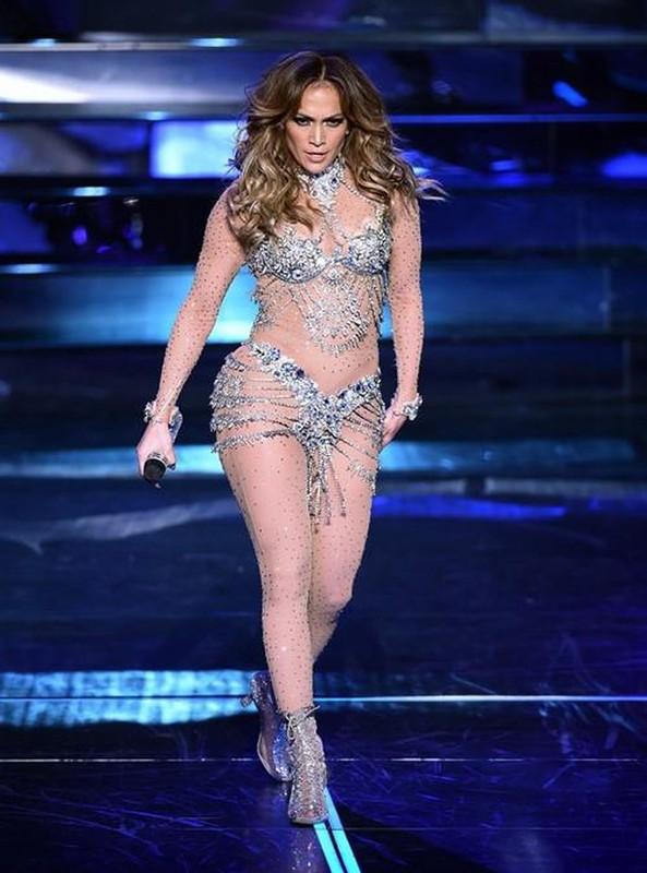 Jennifer Lopez chuong mot thoi trang ho bao du da 50 tuoi-Hinh-6