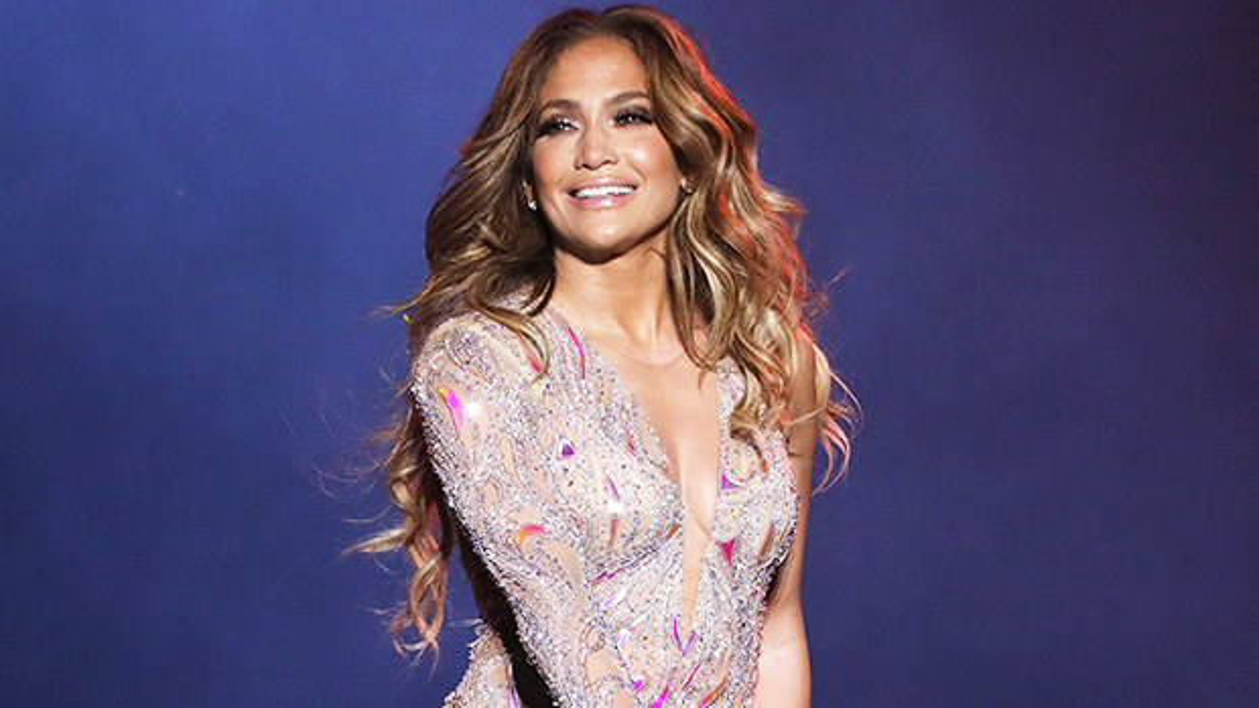 Jennifer Lopez chuong mot thoi trang ho bao du da 50 tuoi