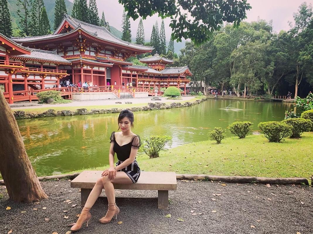 Phong cach thoi trang sanh dieu cua Huong Tram sau khi sang My du hoc-Hinh-2