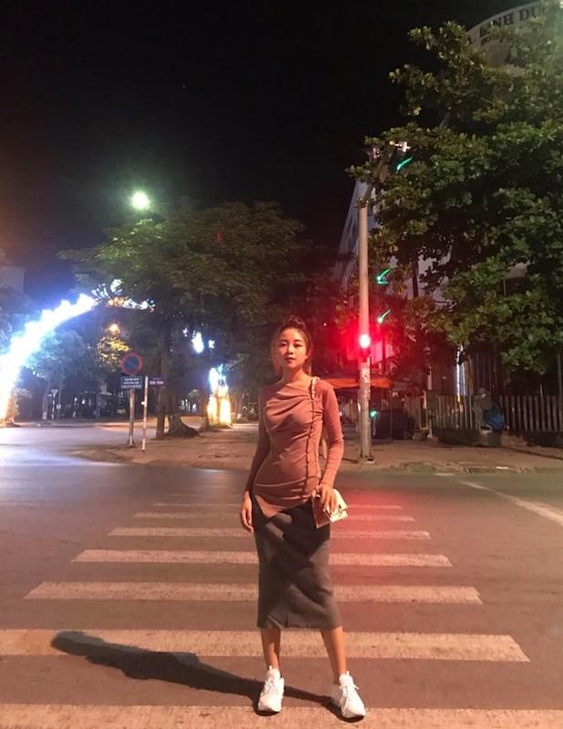 Phong cach thoi trang cuc tre trung cua hot girl giao vien ban gai Phan Van Duc-Hinh-5