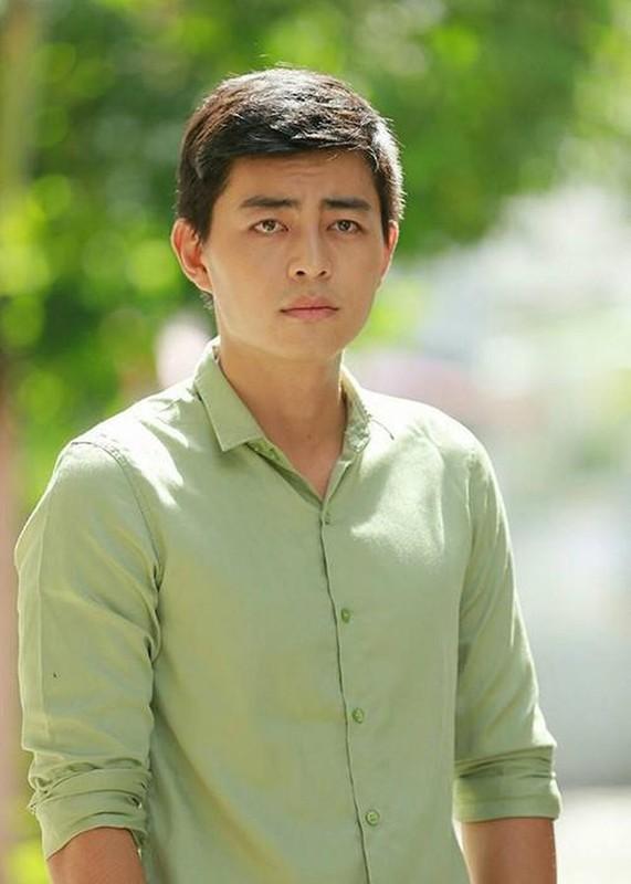 "Dien vien tu tinh voi me ke phim ""Tieng Set trong mua"" ngoai doi cuc lich lam-Hinh-4"