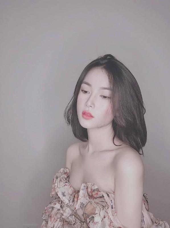 Gu thoi trang sexy cua nu MC nghi hen ho voi thu mon Bui Tien Dung-Hinh-5