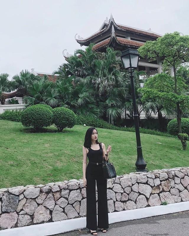Gu thoi trang sexy cua nu MC nghi hen ho voi thu mon Bui Tien Dung-Hinh-6