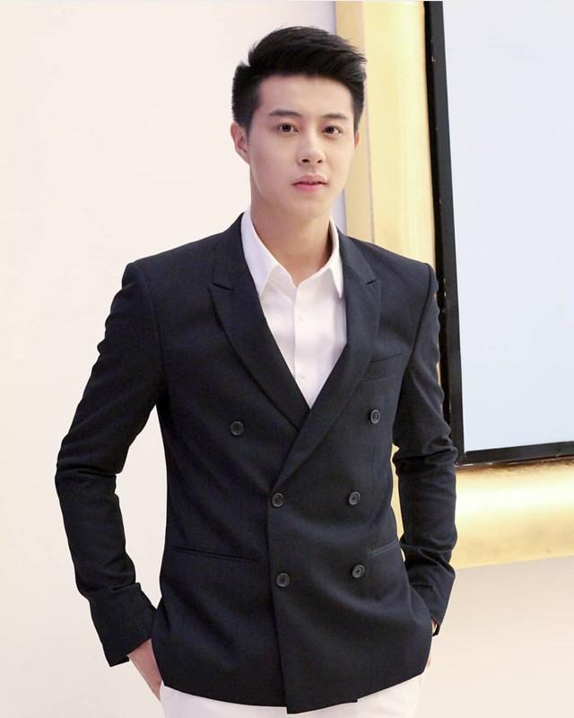 """Chang trai hai lan """"cam sung"""" Huong Giang so huu gu thoi trang lich lam-Hinh-4"""