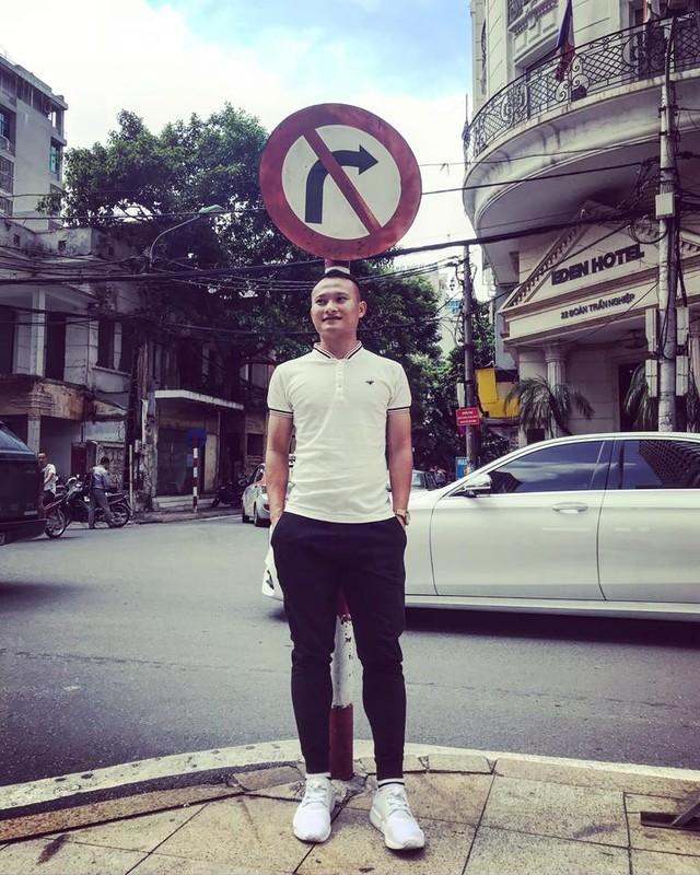 Cau thu Trong Hoang ngoai doi an mac gian di nhung cuc nam tinh-Hinh-7