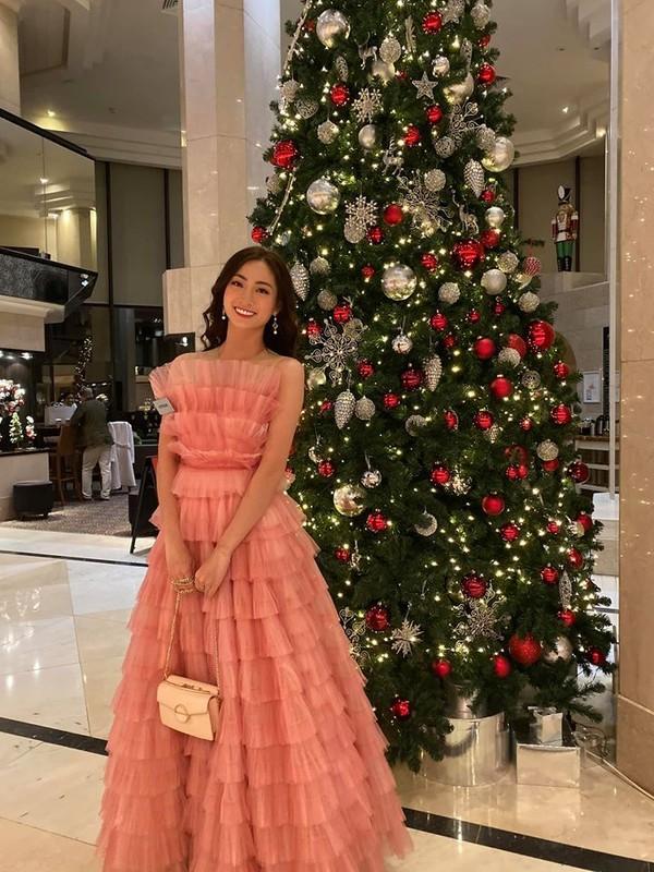 Ngam lai loat vay ao quyen ru cua Luong Thuy Linh tai cuoc thi Miss World 2019-Hinh-4