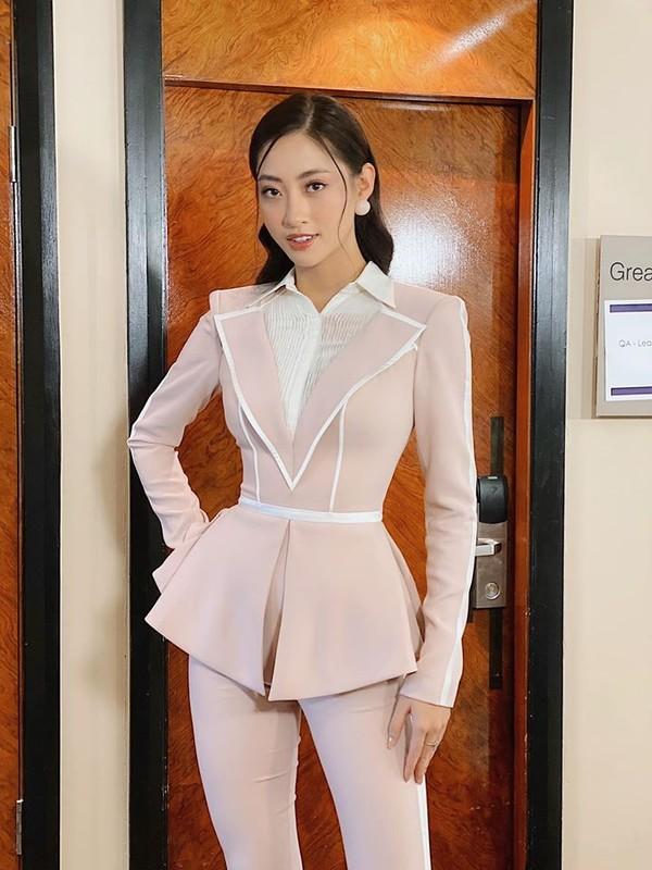 Ngam lai loat vay ao quyen ru cua Luong Thuy Linh tai cuoc thi Miss World 2019-Hinh-7