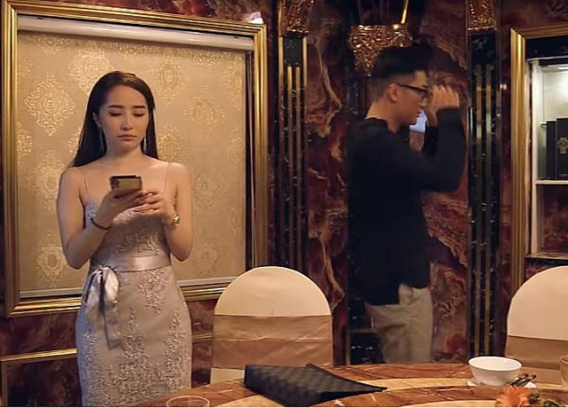 "Bong mat voi thoi trang sexy cua ""gai nganh"" Quynh Trinh trong Sinh Tu-Hinh-2"