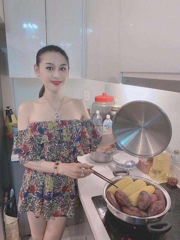 Bi quyet gi giup Lam Khanh Chi co lan da tre trung nhu gai doi muoi-Hinh-2
