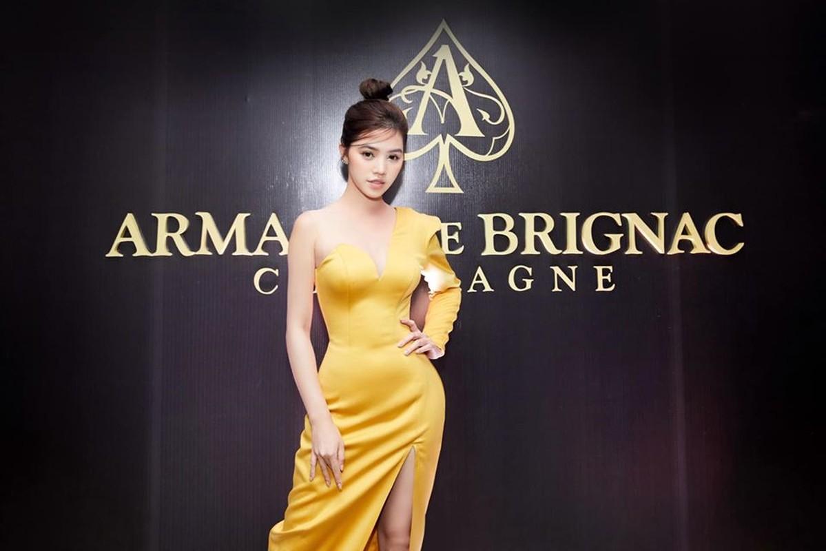 "Choang ngop gu thoi trang sang chanh cua Hoa hau ""con nha giau"" Jolie Nguyen-Hinh-2"