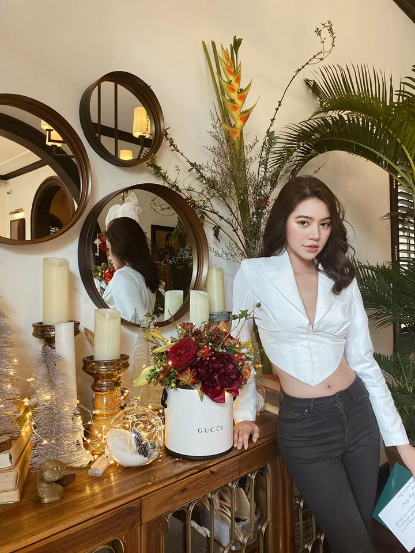"Choang ngop gu thoi trang sang chanh cua Hoa hau ""con nha giau"" Jolie Nguyen-Hinh-4"