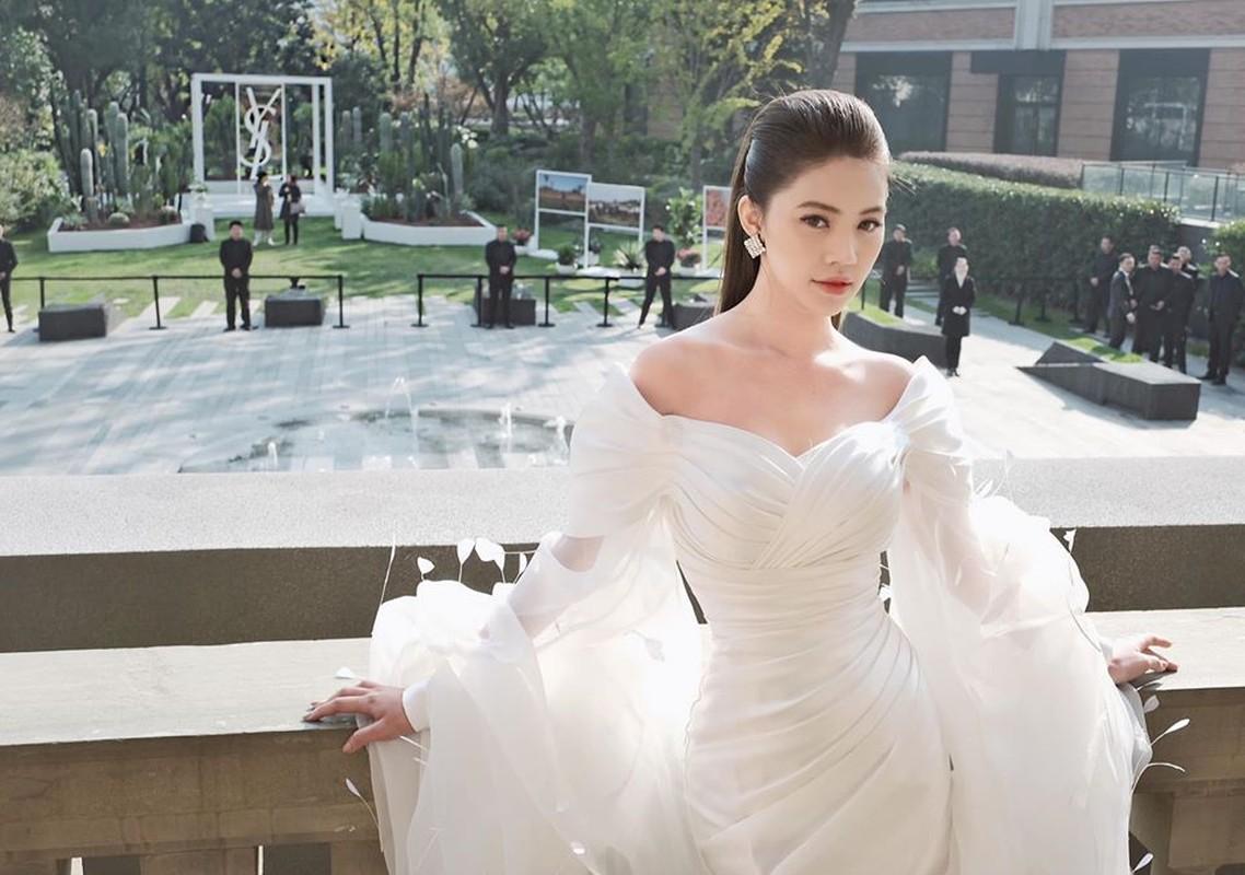 "Choang ngop gu thoi trang sang chanh cua Hoa hau ""con nha giau"" Jolie Nguyen-Hinh-6"