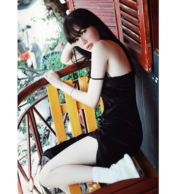 Loat vay day la loi tuong sap roi cua Elly Tran, Nha Phuong