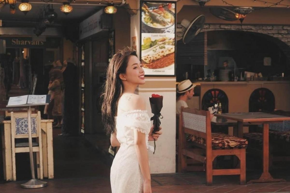 """Khong ngo """"tieu tam"""" trong MV moi cua Midu ngoai doi an mac quyen ru den vay-Hinh-2"""