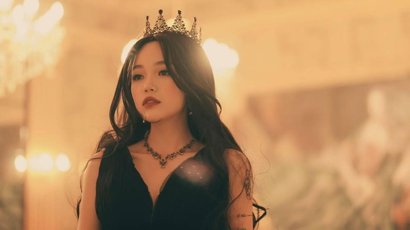 """Khong ngo """"tieu tam"""" trong MV moi cua Midu ngoai doi an mac quyen ru den vay-Hinh-4"""