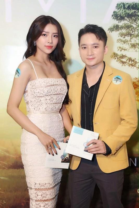 """""""Bi an"""" dang sau lan da mat moc min mang cua vo chua cuoi Phan Manh Quynh"""
