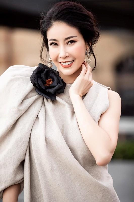 Hoc hoa hau Ha Kieu Anh an thuc duong de giu dang o tuoi U50-Hinh-4