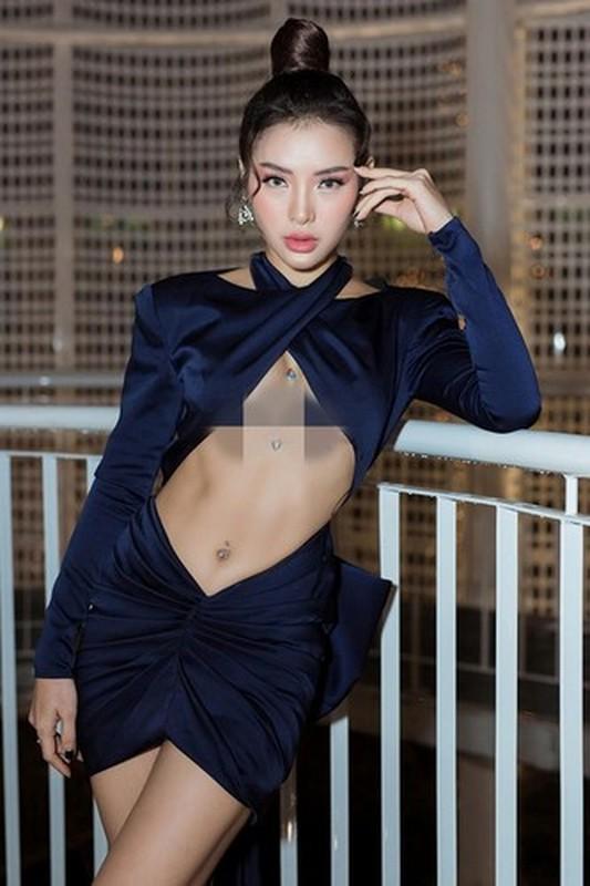 "Nhung trang phuc ho henh khien sao Viet nhan vo van ""gach da""-Hinh-3"