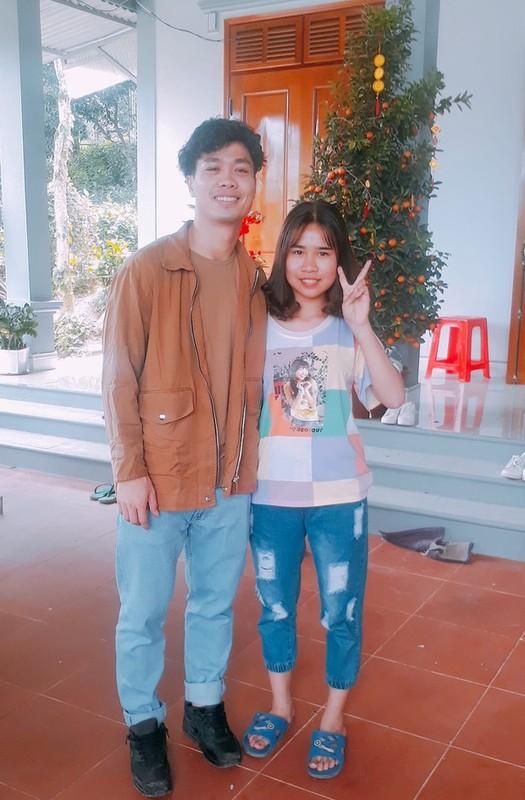 Chiem nguong dan cau thu Viet an mac banh bao don Tet-Hinh-5