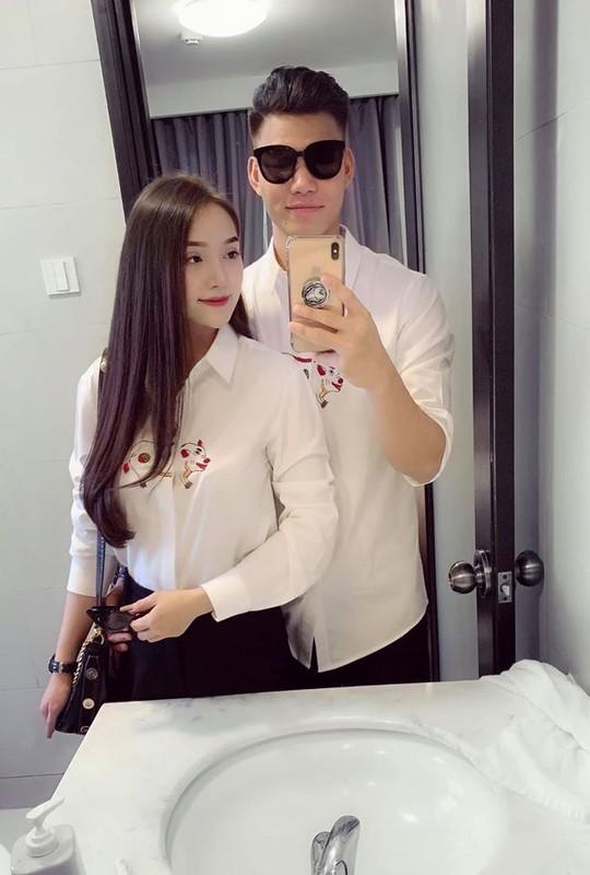 Chiem nguong dan cau thu Viet an mac banh bao don Tet-Hinh-8