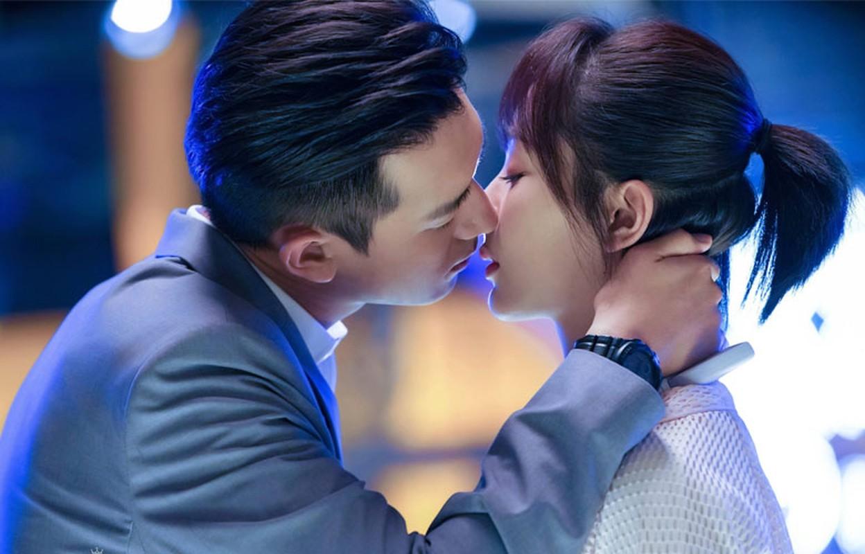 Gu thoi trang an y cua cap doi Duong Tu va Ly Hien khien fan phat ghen-Hinh-12