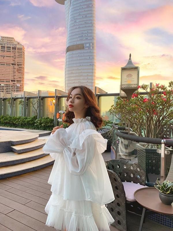 Nang hot girl ten la Tran Nha Ca chuong gu an mac chanh, ca tinh-Hinh-8