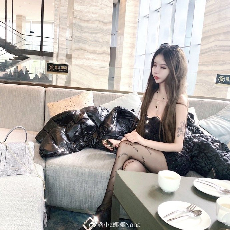 "Tham hoa tham my: Co gai hoa ""mat ran"" sau 60 lan ""dao keo""-Hinh-2"