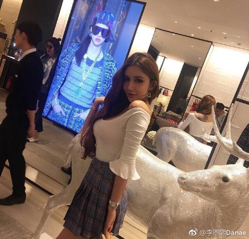 "Nhan sac bong nhien xinh dep nho tham my cua ""hot girl mat ran"" Trung Quoc-Hinh-5"