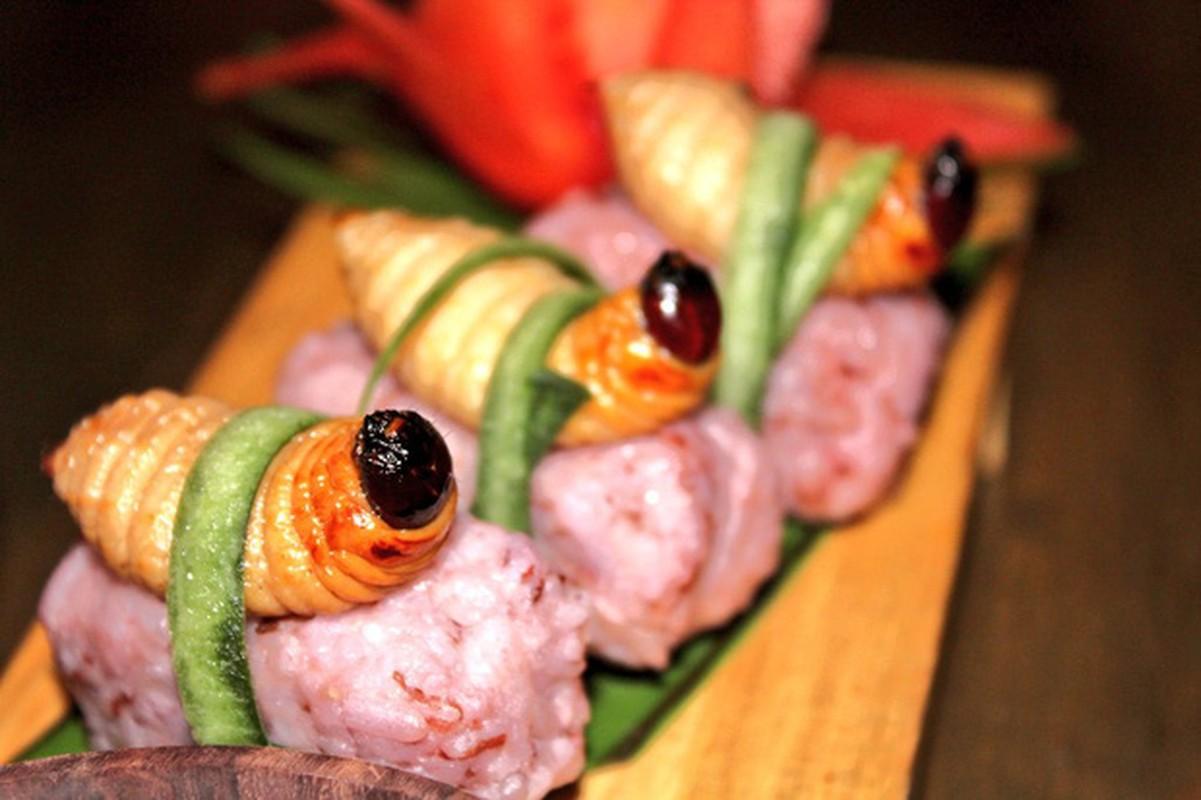 Rung minh voi mon sushi duong dua kinh di o Malaysia-Hinh-2