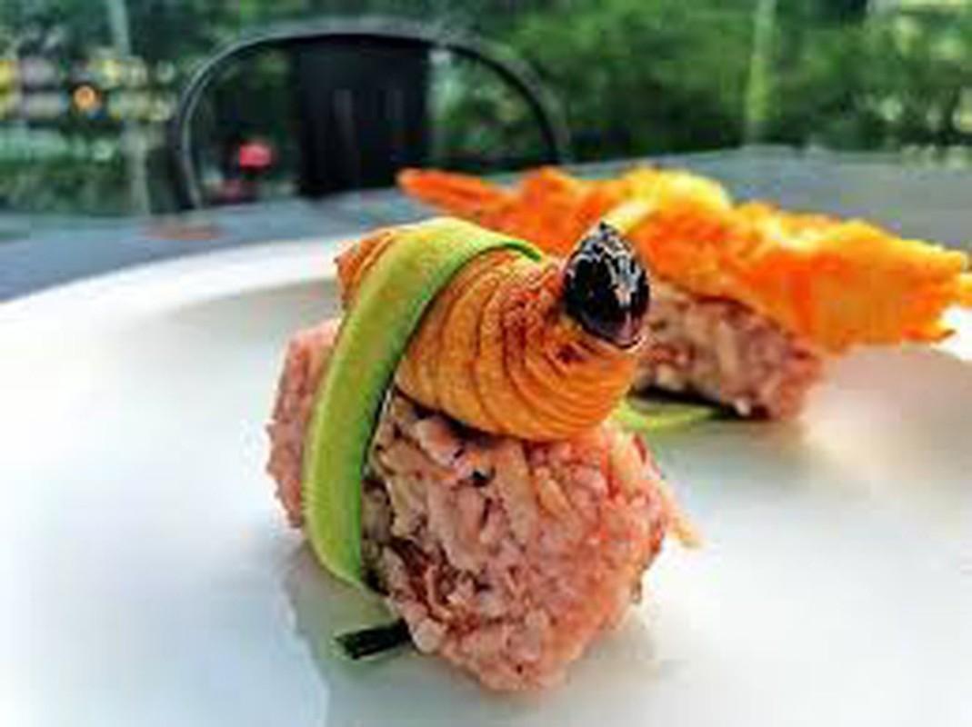 Rung minh voi mon sushi duong dua kinh di o Malaysia-Hinh-7